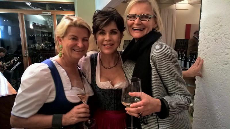 Marlies Muhr, Luxus Immobilien, Schauspielerin Anja Kruse und Journalistin Hedi Grager amüsierten sich köstlich (Foto Reinhard Sudy)