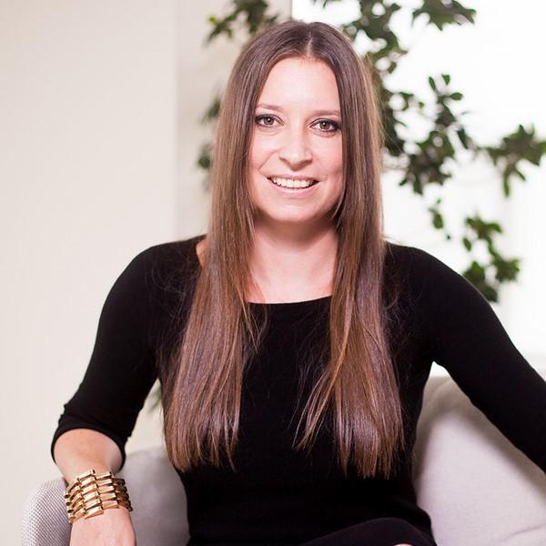 Ines Liebmann-Stumpf  ist die Shop Managerin von MUD Vienna ((c) Markus Mansi MOMA Werbeagentur)