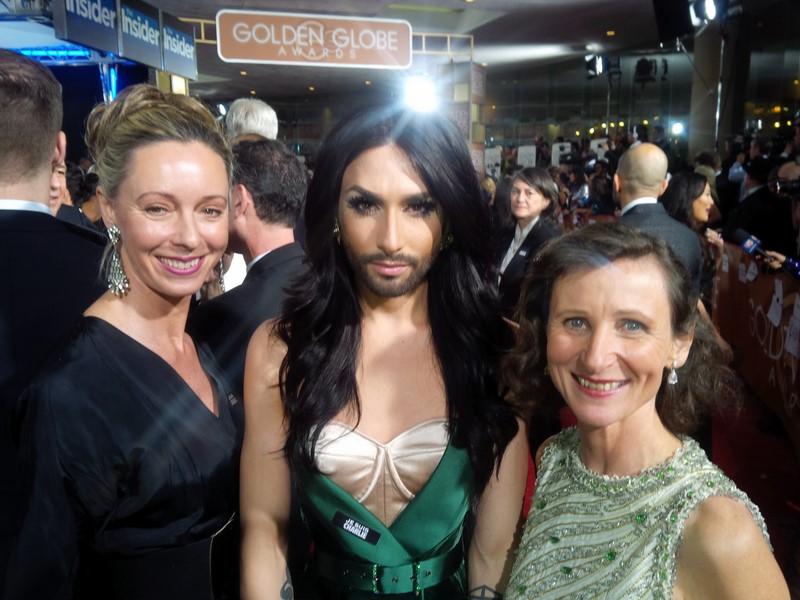 Ulrike Ritzinger bei den Golden Globes im Jänner 2015 mit Conchita Wurst und Barbara Gasser (Hollywood Foreign Press Association Member) (Foto beigestellt)