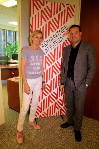 Hedi Grager und Mag. Michael Friedl in seinem New Yorker Büro (Foto Nadine Marie Wohlmuth)
