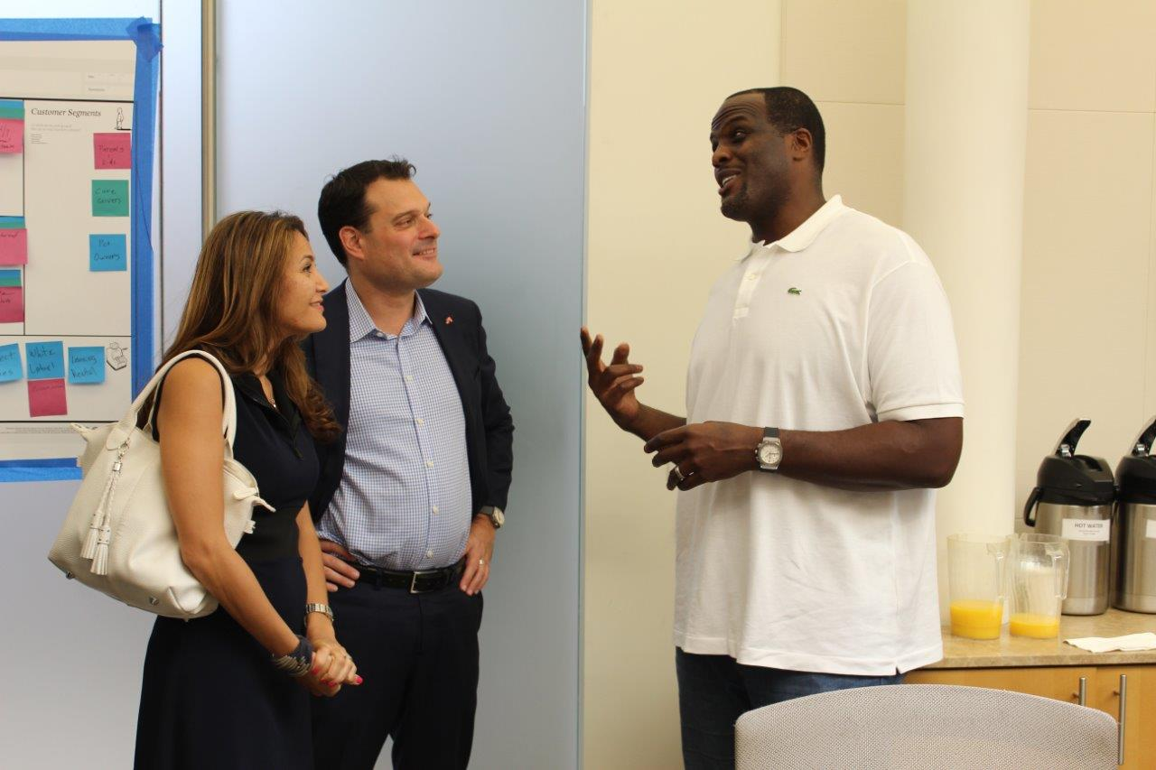 Malik Rose, ehemaliger NBA Weltmeister, bei einem Coaching im Büro von Michael Friedl (Foto National Basketball Players Association)