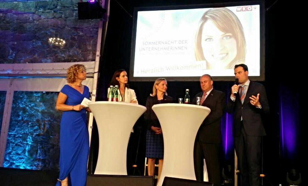 Nacht der Unternehmerinnen: Michael Friedl mit BM Sophie Karmasin, Präsident Trauner u.a. (Foto Ingomar Lochschmidt)