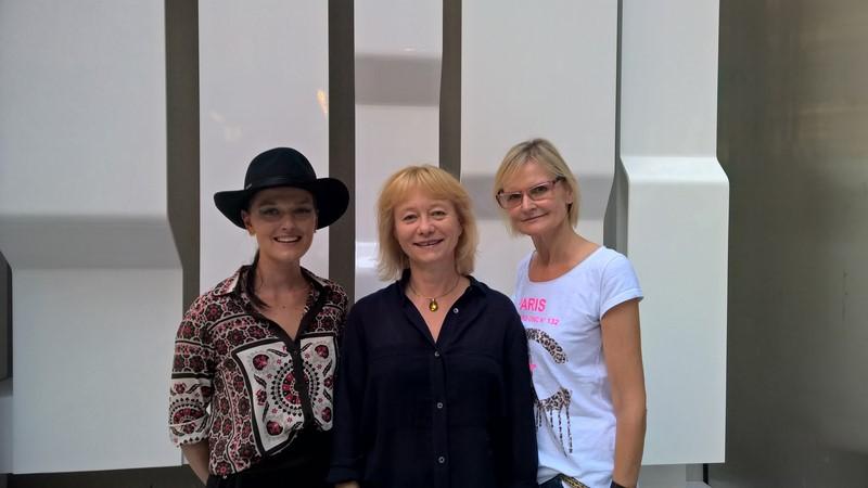 Designerin Eva Poleschinski, Direktorin des ACF Christine Moser und Journalistin Hedi Grager in New York (Foto Reinhard Sudy)