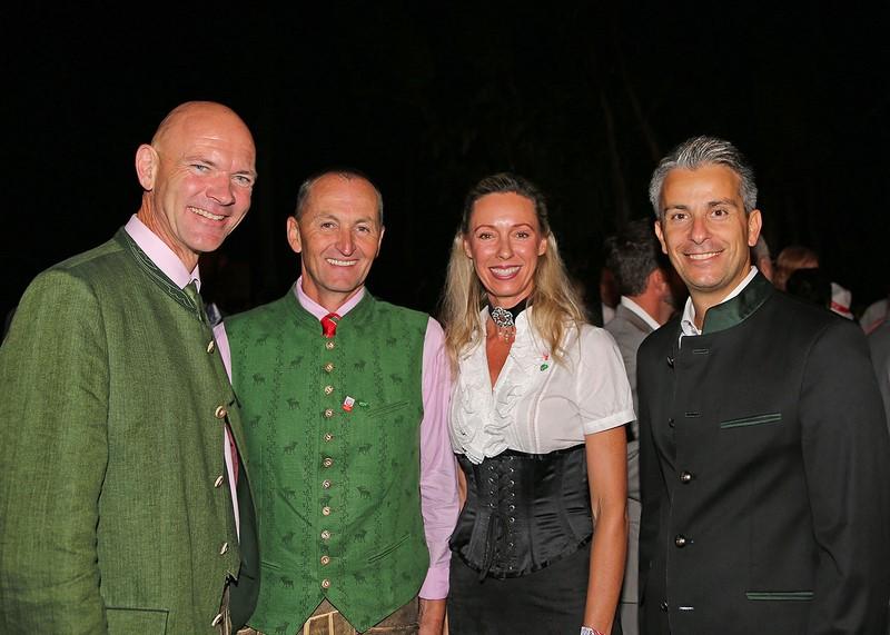 Generalkonsulin Ulrike Ritzinger bei den Special Olympics LA 2015 mit BM Jürgen Winter, BM Ernst Fischbacher, Stadtrat Kurt Hohensinner (Foto beigestellt)