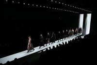 Dorothee Schumacher präsentiert ihre Mode auf der Mercedes-Benz Fashion Week Berlin (Photo by Andreas Rentz/Getty Images)