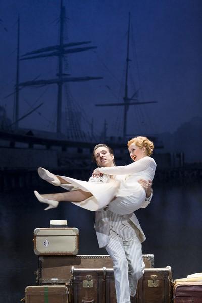 Boris Pfeifer als Nick Arnstein und eine großartige Frederike Haas als Fanny Brice (Foto Werner Kmetitsch)