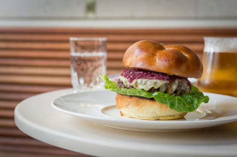 Im 'FREUD' gibt es natürlich auch einen 'FREUD Burger' (Foto FREUD)