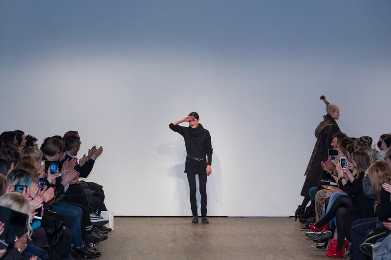 Jedes Kleidungsstück von Isabel Vollrath erhält entweder durch Schnitt, Material oder Form bzw. die Kombination derselben etwas ganz eigenes (Fotos Thomas Hofmann)