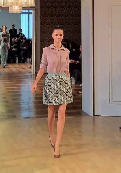 Die Designerin Marina Hoermanseder zeigte auf der Berliner Fashion Week auch sehr elegante und tragbare Mode (Foto Hedi Grager)