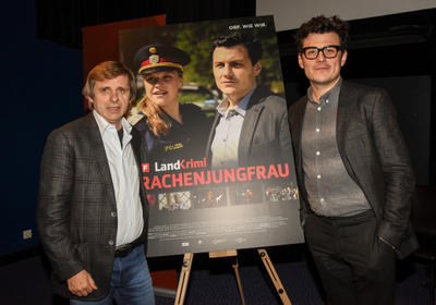 Autor Manfred Baumann und Schauspieler Manuel Rubey (Foto ORF/Hubert Mican)