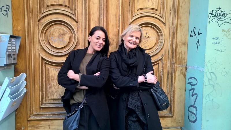 Sängerin und Schauspielerin Edita Malovcic im Interview mit Hedi Grager (Foto Reinhard Sudy)
