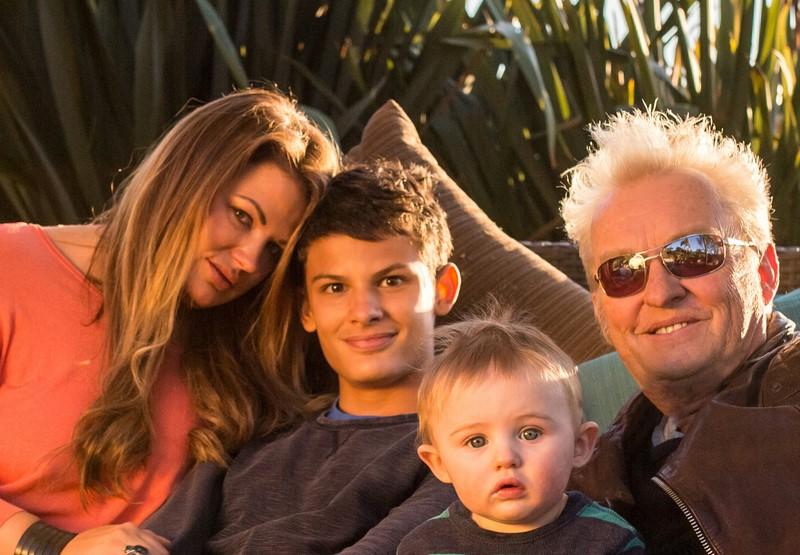 """Lea und Peter Millesi mit ihren zwei """"Jungs"""" (Foto beigestellt)"""