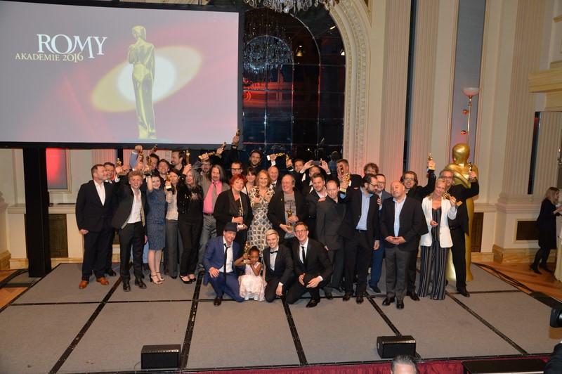 Rund 700 Gäste aus Film, TV, Theater, Kunst und Wirtschaft kamen zur 27.  ROMY® Gala in die Wiener Hofburg. Durch den Abend führten humorvoll die beiden Moderatoren Katharina Straßer und Andi Knoll (Foto Kurier)