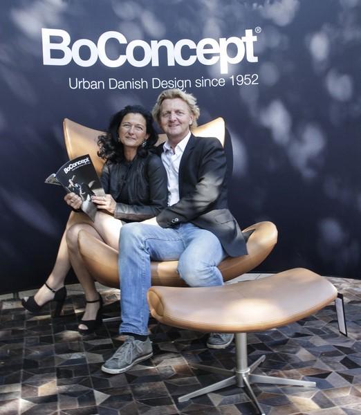 Sabrina und Ewald Stückler in ihrem neu eröffneten BoConcept Store am Grazer Tummelplatz (FotoBojan Jovanovic)