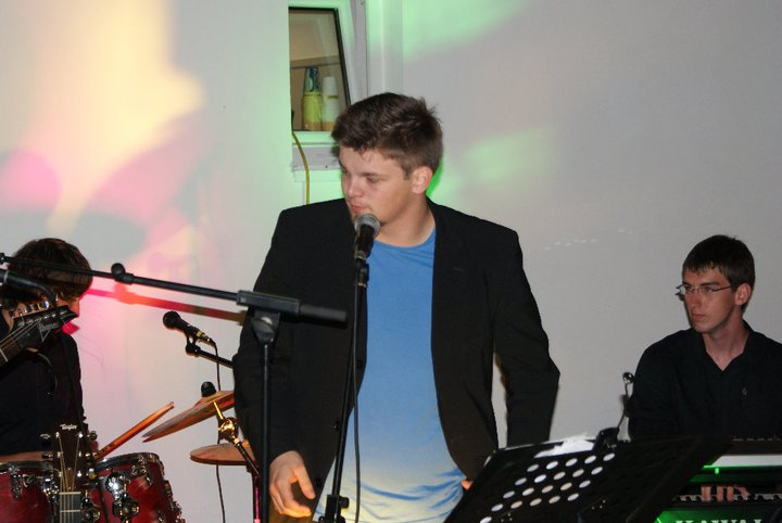 The Funky Wizards: Das Programm der jungen Musiker verändert sich laufend. Gerne nehmen sie auch Wunschsongs ihrer Fans neu dazu (Foto beigestellt)