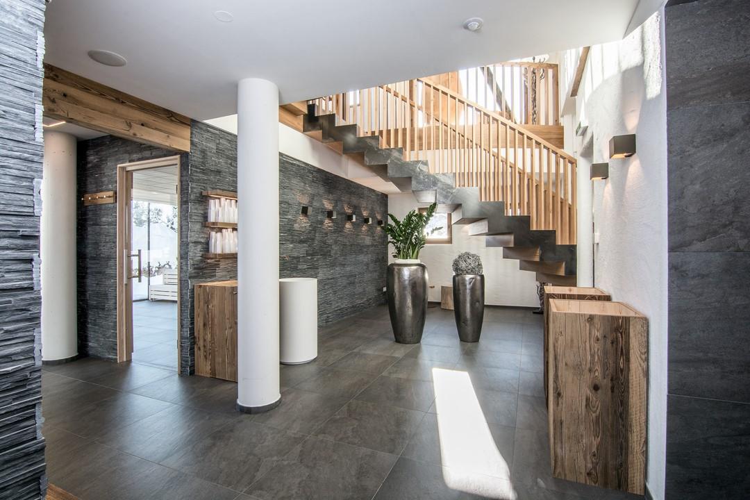 """Das Badhaus """"Innere Mitte"""" mit seinem Heaven SPA und einem 360 Grad Himmelsblick bietet höchste Wellnessfreude nach alpiner Tradition (Foto PURADIES)"""