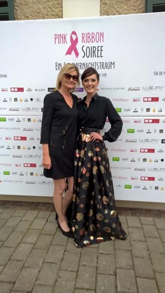 Pink Ribbon Award Steiermark 2016: Journalistin Hedi Grager und Designerin Eva Poleschinski (Foto Reinhard Sudy)