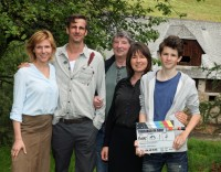 """Treibjagd im Dorf"" mit Franziska Weisz, Max von Thun, Peter Keglevic, Franziska Walser und Enzo Gaier (Foto ORF Film 27/Andrea Mayer-Rinner)"