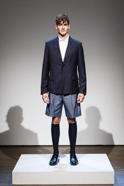 Das Label BRACHMANN modernisiert die Klassiker der Männermode durch einen von Architektur, moderner Kunst und Pop-Kultur inspirierten, spielerischen Umgang mit Hybriden, Details und Silhouetten (Foto Rafael Poschmann)