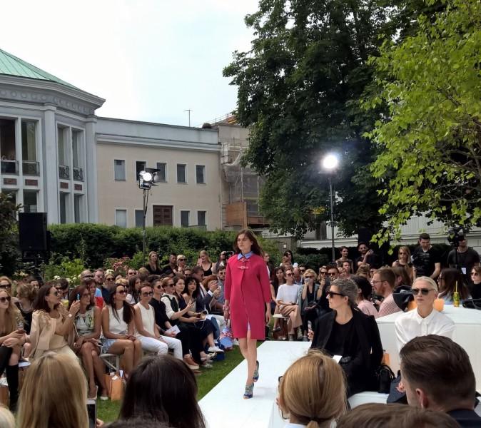 """Unter den prominenten Gästen der Show von Marina Hoermanseder waren u.a. auch die Supermodels Franziska Knuppe und Eva Padberg sowie """"Vogue""""-Chefredakteurin Christine Arp (Foto Hedi Grager)"""
