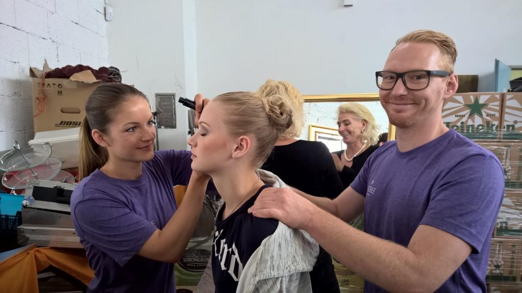 """Das Vinoble Day Spa Team zeigte sich unter Leitung von Spa Manager Peter Köfer mit seiner Sabrina für das Make-up der Models verantwortlich. Wenn es um dekorative Kosmetik geht, setzt das Team auf die Marke """"Horst Kirchberger"""" - auch im Vinoble Day Spa erhältlich (Foto Hedi Grager)"""