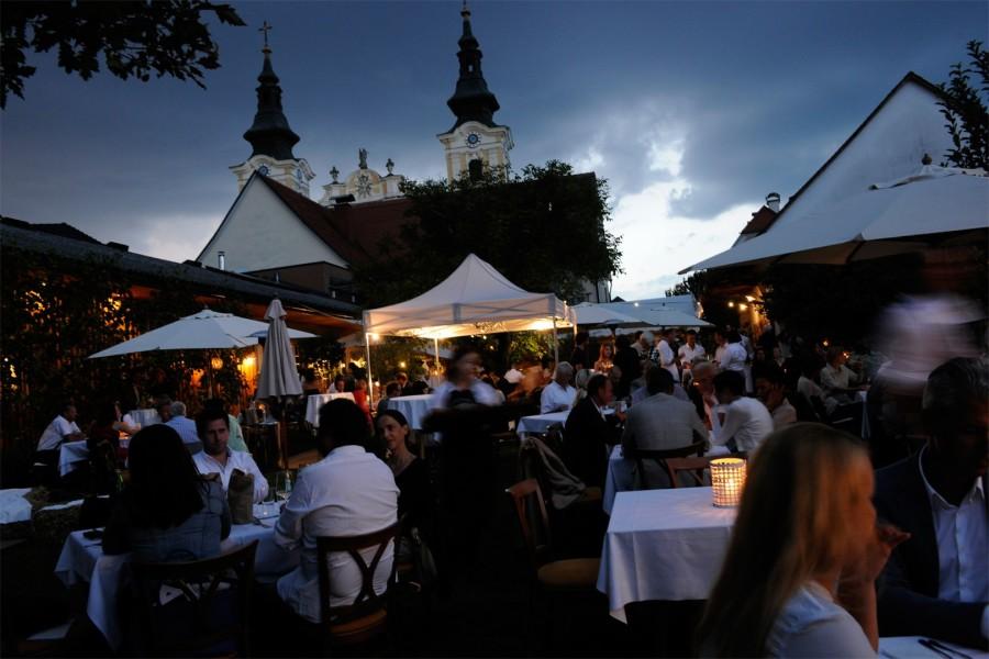 Mehr als 250 Freunde, Wegbegleiter und kulinarisch begeisterte Gäste haben am 1. September die Vielfalt der steirischen Küche südlich des 47. Breitengrades gefeiert.  47° wird weiter Veranstaltungen in der Region wie auch an anderen interessanten Orten Österreichs organisieren und jährlich eine Veranstaltung in einer internationalen Metropole Europas ausrichten.