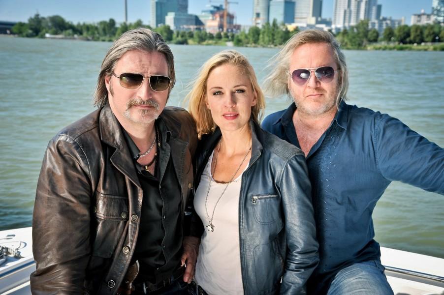 """Soko Donau"" - Stefan Jürgens (Carl Ribarski), Lilian Klebow (Penny Lanz) und Gregor Seberg (Helmuth Nowak) (Foto ORF/Thomas Ramstorfer)"