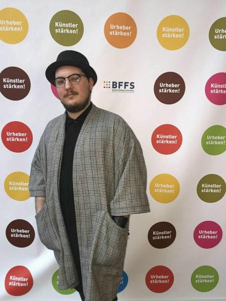 """akademie-der-kuensteDer Schauspieler Mario Canedo ist auch beim deutschen Verband, dem BFFS, ein engagiertes Mitglied und erklärt: """"In Deutschland ist man in vielen Dingen schon weiter als wir."""""""