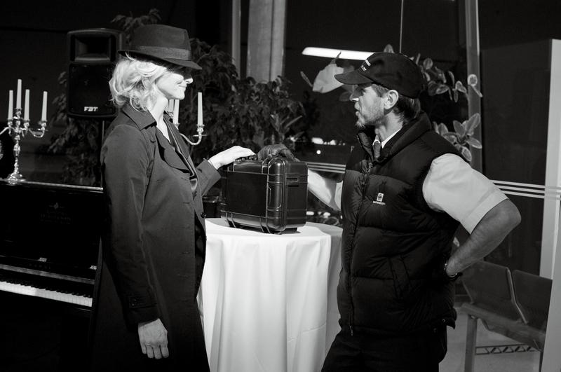 Im November 2013 trat der SPIRIT seine Reise um die Welt an und seine Freunde verabschiedeten ihn auf dem Grazer Flughafen, als der von einer 40 Jahre alten Piper abgeholt wurde (Foto Eva Maria Guggenberger)