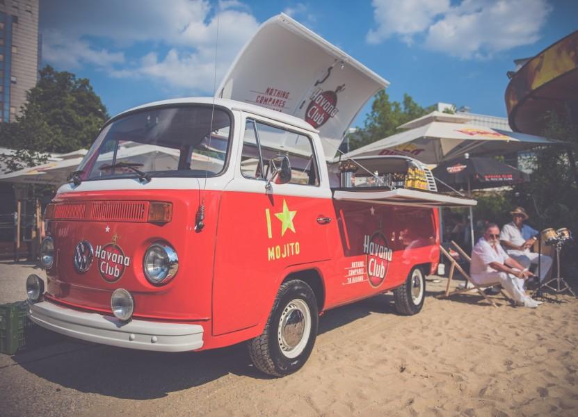 Der Original Havana Club Bulli stand in Graz am Joanneumsplatz (Foto Havana Club)