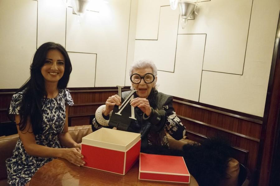 """""""Iris Apfel war locker und bestens gelaunt"""", verrät Vienna Awards-Organisatorin Marjan Firouz (Foto Inger Prader)"""