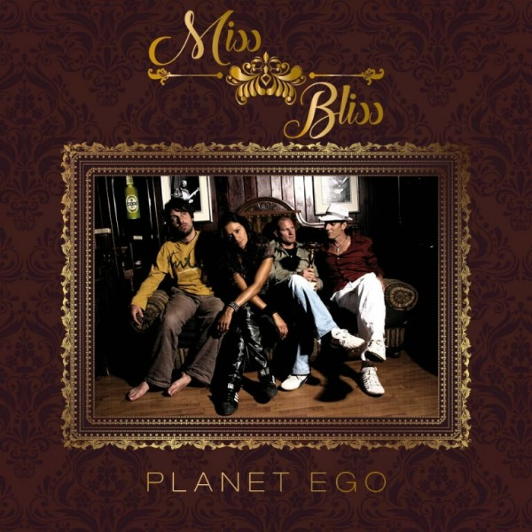Inez ist Musikerin aus Leidenschaft, ihre Songs sind gefühlvoll bis rockig. Am 20. Oktober präsentiert jetzt 'Miss Bliss' im Grazer P.P.C. das Debutalbum 'Planet ego' (Foto Mirja Geh)