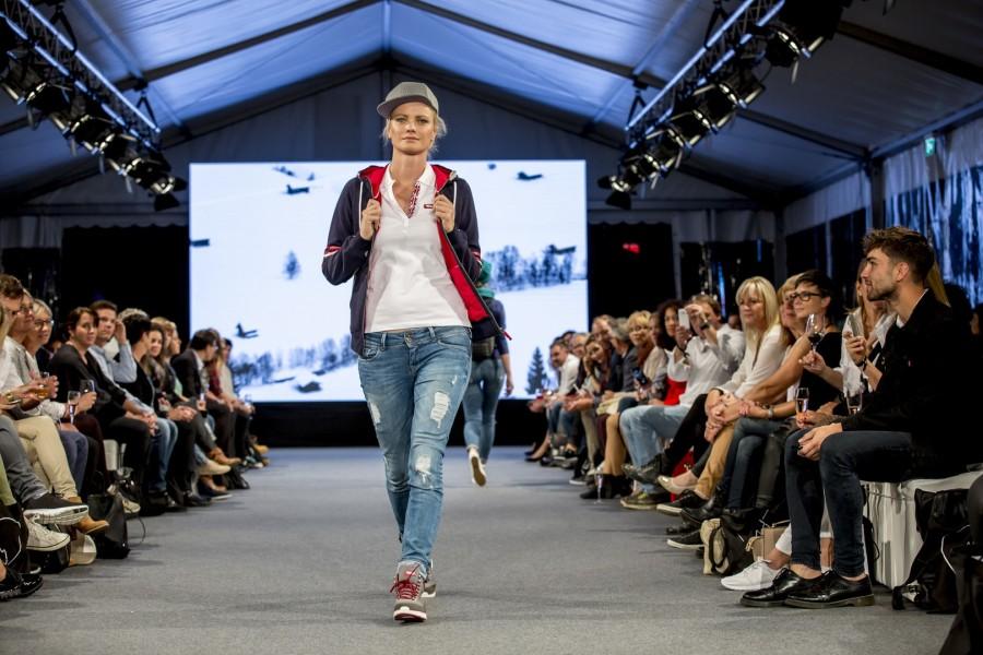 Topmodel Franziska Knuppe für Kollektion Tirol, Women's Wear (Foto Getty Images)