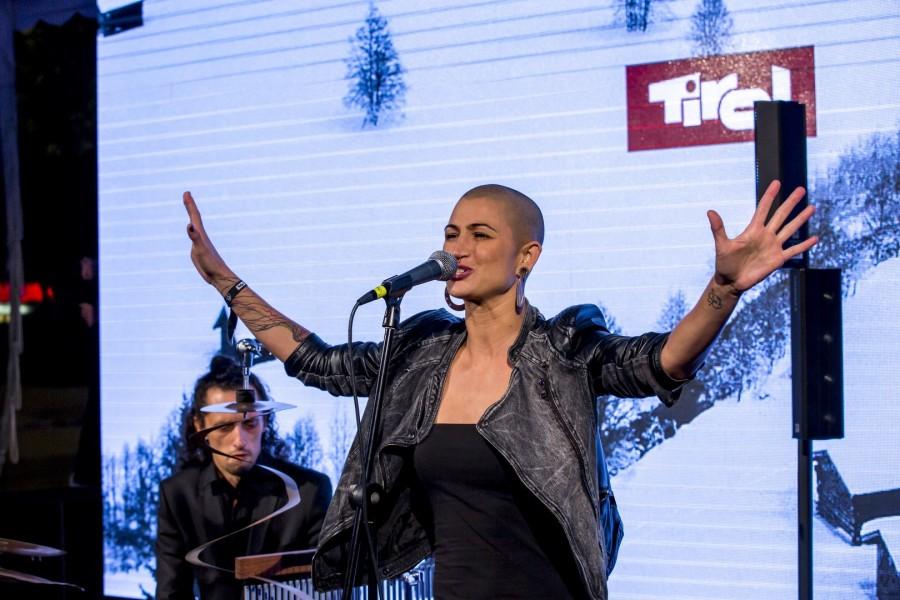 Der Live Act von Denise Beiler begeisterte das Publikum (Foto Getty Images)