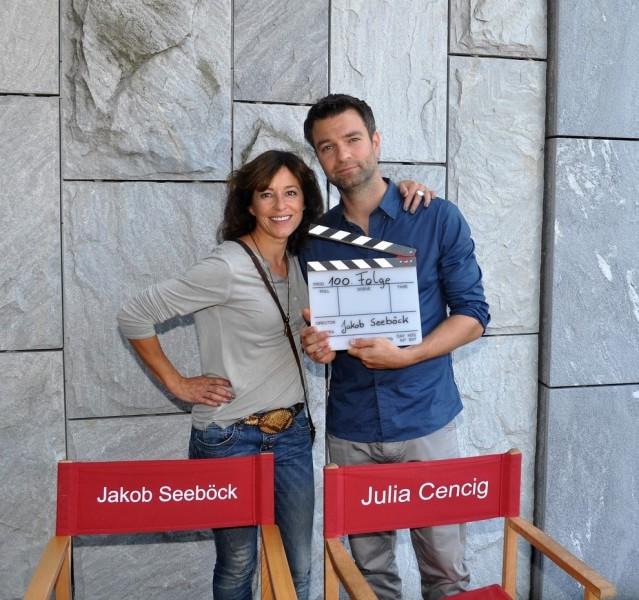 Julia Cencig alias Nina Pokorny und Jakob Seeböck alias Lukas Roither, der seine 100. Folge feierte (Foto Reinhard Sudy)