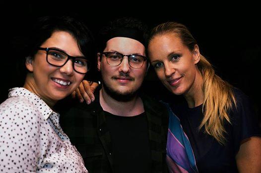 Die beiden Schauspieler Brigitta Kanyaro und Mario Canedo mit ihrer erfolgreichen Kollegin Lillian Klebow (Foto Michael Fischer)
