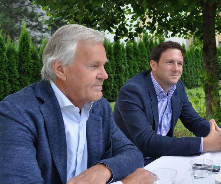 Haben Dieter und Jakob Pochlatko unterschiedliche Standpunkte, werden diese ausdiskutiert und letztendlich sind sie sich immer einig (Foto Reinhard Sudy)