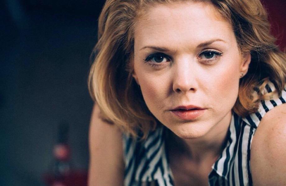 """Die Schauspielerin Sigrid Spörk kann sich gut vorstellen, in einer Serie zu spielen. Voraussetzung: eine Charakterrolle. Ansonsten liebt sie """"House of Cards"""" und dänische Serien (Foto Leo Bauer)"""
