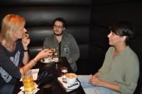 Hedi Grager im Gespräch mit Mario Canedo und Brigitta Kanyaro (Foto Reinhard Sudy)