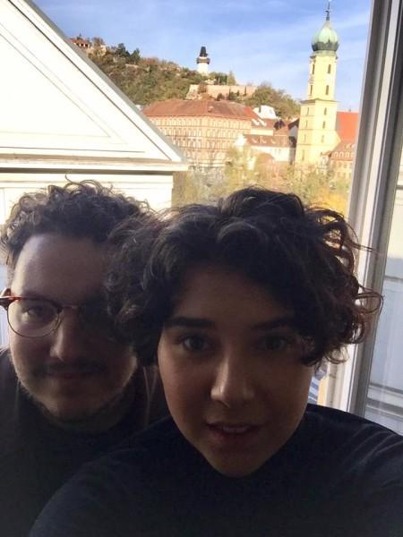 Mario Canedo und Brigitta Kanyaro: schnell ein Selfie bei einem ihrer Graz-Besuche (Foto beigestellt)