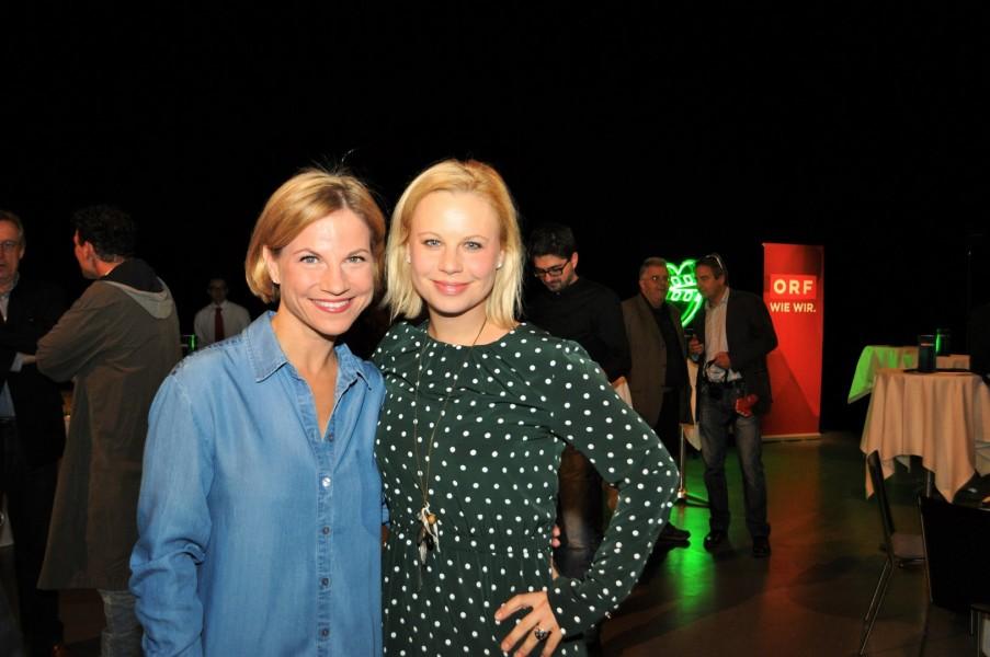 Die beiden Schauspielerinnen Kristina Sprenger und Katharina Straßer bei der ORF-Präsentation der Landkrimis (Foto Reinhard Sudy)
