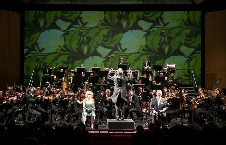 Dirigent Dirk Kaftan schaffte es mit dem Grazer Philharmonischen Orchester, alle Stimmungenzu spüren (Foto Werner Kmetitsch)