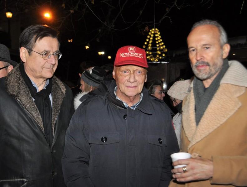 Medienmanager Hans Mahr, Niki Lauda und Künstler Erwin Wurm folgten der Einladung von Außenminister Sebastian Kurz zum Adventpunsch (Foto Reinhard Sudy)