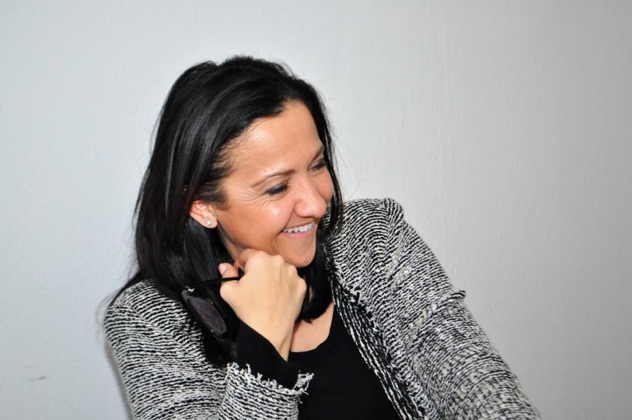 Die Marketing-Managerin Ana Topolic liebt Autos, reist sehr gerne und bewegt sich gerne und viel in der Natur (Foto Reinhard Sudy)