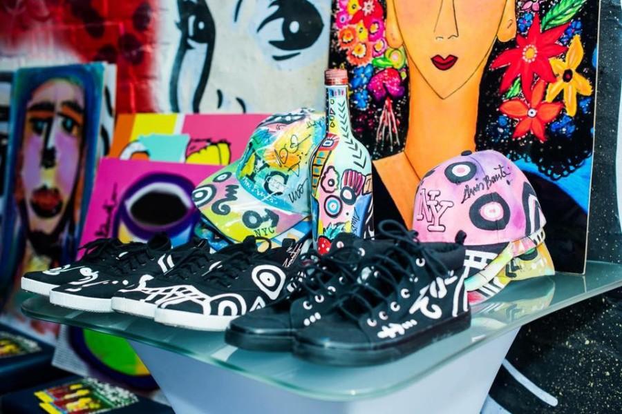 ... Schals, Kleider, Homedecor, Pölster, etc. gedruckt werden (Designerin Chris Barreto (© Chris Barreto)