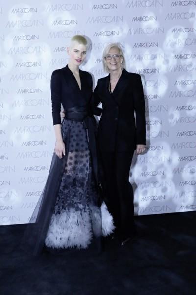 Head of Design Karin Veit mit einem ihrer Models (Foto Marc Cain)