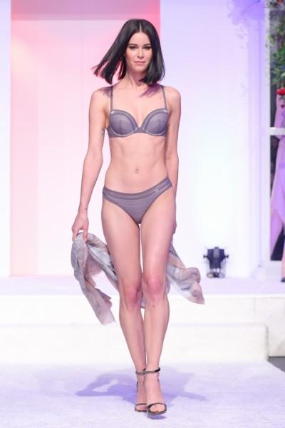 Model und Schauspielerin Kerstin Lechner präsentierte Dessous von ESPRIT und erfreute damit nicht nur die Damenherzen (Foto Moni Fellner)