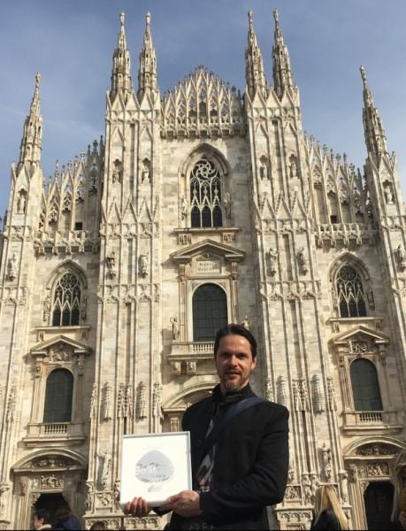 Christian Potisk ist stolz auf den großartigen Preis auf der Brillenmesse MIDO in Mailand (Foto BrillenQuartier)