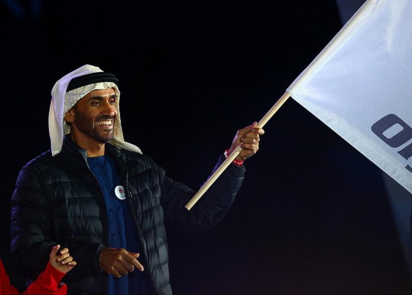 """Herzluftballons stiegen in den Himmel, als die """"Flamme der Hoffnung"""" gelöscht und die Fahne der Special Olympics an Abu Dhabi, Sportbeauftragter Nahyan bin Zayed Al Nahyan, weitergegeben wurde (Foto GEPA pictures/Special Olympics)"""