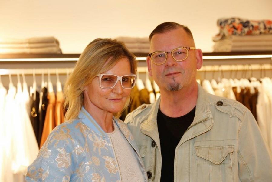 Journalistin und Bloggerin Hedi Grager und der großartige Grazer Künstler Werner Stadler ließen sich die neuesten Trends präsentieren (Foto Manfred Lach)